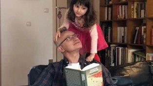 Какво чете в изолация Захари Карабашлиев?