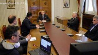 Президентът Радев подчерта важността на максимално бързото и безопасно връщане към нормален живот