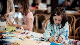 Популярни личности ще водят безплатни онлайн работилници за деца